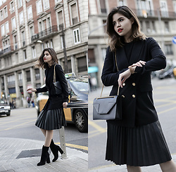 Adriana Gastélum - Willow & Clay Pleated Skirt, Saint Laurent Betty Bag, Chinese Laundry Booties, More Outfits On - Back in Total Black
