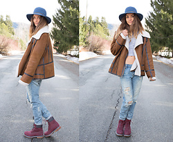 Anna Lengstrand - Coal Headware Hat, Second Hand Jacket, Urban Outfitters Jeans, Timberland Boots - Almost spring time!