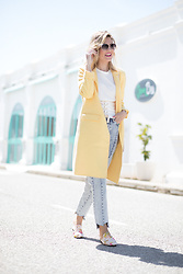 Helena Cueva - Zara Yellow Coat - Like a gucci