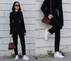 Esther L. - Missguided Ring Belted Blazer, Missguided Black Cigarette Trousers, Reebok Classics, Giant Vintage Kurt Sunnies - RING BELTED BLAZER