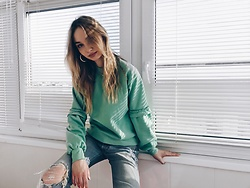 Maria Matvie - Topshop Sweater, Levi's® Jeans - Greens