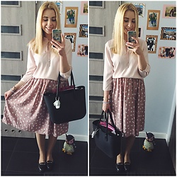Matylda - Mohito Blouse, Second Hand Midi Skirt, Obag - Powder pink spring!