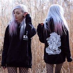 "Kimi Peri - Tk Maxx Patterned Tights, Pink Choker, No Face Choker, Sarah Thursday ""Pisces"" Hoodie - Sign Of The Zodiac"