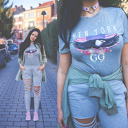 Sandra Samuel - Lamoda Choker, Pretty Little Thing New York T Shirt, Primark Joggers, Primark Sneakers, Bershka Bomber Jacket - Grey Vibes