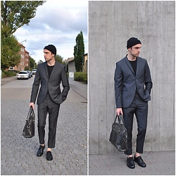 Jesper Søndergaard - Tiger Of Sweden Suit, Royal Republiq Shoes - Casual days