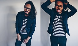 Peter Kennedy - Zara Blazer, Jack And Jones T Shirt, Asos Trousers, Carrera Eyeglasses - Stripes