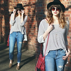 Mackenzie S - Urban Outfitters Black Wool Hat, Gap Boyfriend Jeans, Thrifted Leopard Print Loafers, Embrazio Leather Media Bag In Crimson, Free People Striped Top, Moorea Seal Black Round Sunglasses - Sunny Day Stripes
