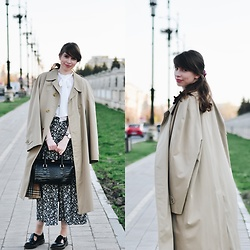 Ana B - Burberry Oversized Trench Coat, Daniel Wellington Watch, Dr. Martens Black Polley Shoes - Oversized trench coat
