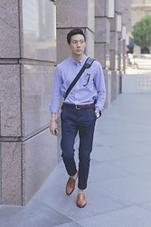 Topher Park - Banana Republic Grant Fit Gingham Cotton Stretch Oxford Shirt, Uniqlo Skinny Navy Chinos, Steve Madden Notate 2 In Tan Leather, Banana Republic Dark Brown Leather Belt, Shinola The Runwell 47mm, Ben Sherman Messenger Bag - W o r k    W e a r