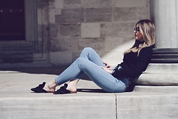 Duygu Fidanoglu - Mango Slippers, Asos Jeans, Thrifted Turtleneck - One of those March days..