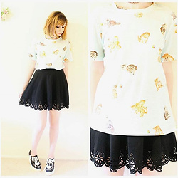 Rachel-Marie - Unbranded Tattoo Choker, Shein Blue Cats Print T Shirt, Shein Black Laser Cutout Scallop Hem Textured Skirt, Find Similar Here Black And White Heart Print Platform Shoes - Happy Caturday