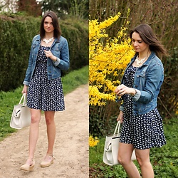 Audrey - Vero Moda Denim Jacket, Pimkie Dress, Primark Bag - Spring is here!