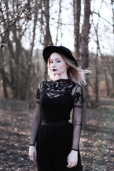 Petra - H&M Hat, C&A Embroidered Mesh Top, Tally Weijl Tulle Midi Skirt - The Black Widow.