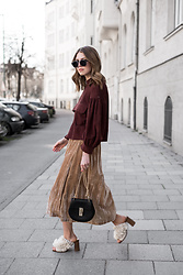 Swantje Sömmer | OffwhiteSwan - Chloé Bag, All Items On My Blog - Blouson, Velvet Skirt & Pompon Mules
