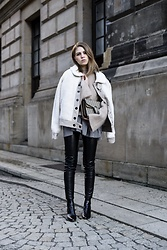 Swantje Sömmer | OffwhiteSwan - Gucci Bag, All Items On My Blog - Jacket, Flared Knit & Leather Pants
