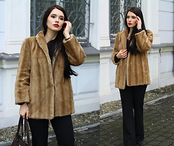Justyna Lis - Zara Vintage Fur, New Look Flare Pants, Mango Leather Bag, H&M Leather Boots - Last winter days