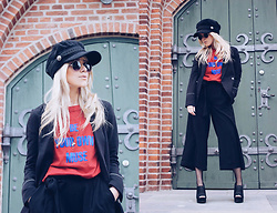Joicy Muniz - Style Moi Cap, By Malene Birger T Shirt, Saint Tropez Blazer, Saint Tropez Pants, Camminare Shoes, Sneaky Fox Tights - Be your own muse!