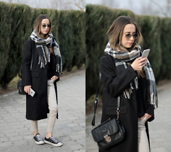Martyna Piotrowska - Zaful Coat, Converse Shoes, Ray Ban Sunnies - SIMPLE VIBES