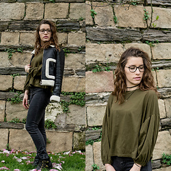 Coralie - Mango Perfecto, Pull And Bear Skinny Jean, Jennyfer Boots, Pull & Bear Top, Claire's Choker - Doux printemps