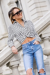 Lauren Recchia - T By Alexander Wang Striped Crop Top, Levi's® Jeans - Cropped & Twisted