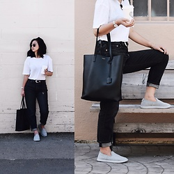 Tiffany Wang - Saint Laurent Tote, Allbirds Slip Ons, Levi's® Jeans, Aritzia Tee - Le Weekend