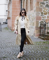 Alyssa Sc - Edited Trenchcoat, H&M Blouse, Asos Platform Shoes, H&M Scarf, Ray Ban Sunglasses - The perfect Trench