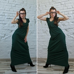 Kseniia I -  - Long Green Dress