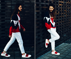 Maik - Moncler Pullover, Ralph Lauren Trousers, Givenchy Sneaker - White, Red, Blue