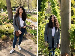 Marie Christin P. - Zara Blazer, H&M Body, Vintage Belt, Vintage Shoulder Bag, Superga Sneakers, Zara Jeans - Sporty Chic
