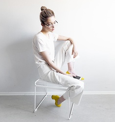Ebba Zingmark - Ragdoll Top, Monki Pants, Sarenza Pumps, Ebba Zingmark Blog, Glasses Usa, Hay Chair - Still