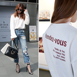 Rekay Style - Nuvo.10 Wide Sleeve Lettering Back Tee, Mango Embroidery Boyfriend Jeans, Jw Anderson Pierce Bag, Moschino Eyelet Heels, Gentle Monster Whip Sunglass - Wearing your message