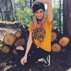 Brittany Shae - Im With The Band Forest Green Turban, Dazey La Explore More Tee, Vans Sk8te High Tops - Explore More