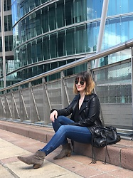 The laid-back girl Léa - Ray Ban Aviator Sunglasses, Maje Biker Jacket, H&M Skinny Jeans, Isabel Marant Dicker Boots, Balenciaga City Bag - Aviator shades