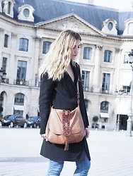 Diamond & Peonie - Zara Coat, Marocan Artisan Bag - Place Vandôme