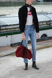 Julien GIRARD - Zara Bandana, Levi's® White Tee, New Look Black Bomber, New Look Blue Jeans, H&M Chelsea Boots, American Apparel Bag - Bandana power