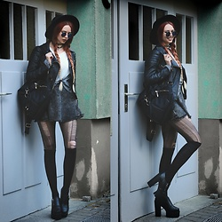 Liza LaBoheme - H&M Faux Leather Jacket, Zaful Backpack - Essential grunge