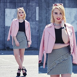 Carina Gonçalves - Zara Jacket, Missguided Top, Handmade Skirt, Pull & Bear Sandals - We are survivors of the wild