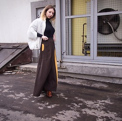 Ivana Braer - Spicery Long Brown Skirt, Style Puffer Jacket, Wolford Turtleneck, Zara Leather Platform Shoes - Ultimate Model