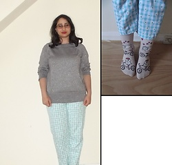 Selina - Charity Shop Sparkly Knit, Self Made Gingham And Daisy Print Trousers, Monki Animal Socks - Meet me by the Hogwarts express
