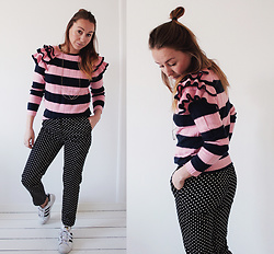 Magna G. - Www.Lovebeingpetite.Com - Striped ruffle sweater look 3