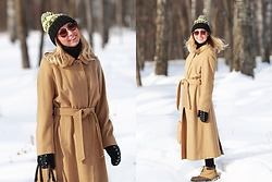 Anna Sever - Burberry Coat - Burberry coat