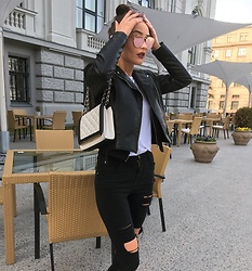 Paula Vaļuma - Aldo Purse, Bershka Leather Jacket, Zara Black Jeans, Boohoo T Shirt, Aldo Sunglasses - Don't lose your mind