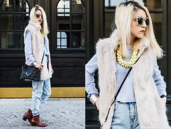 Diana Manolova - Pull & Bear Mom Fit Jeans, Pull & Bear Sunglasses, Bershka Shirt, Mango Ankle Boots, Stradivarius Clutch, Bershka Furry Vest, Pimkie Bracelet, Orsay Yellow Necklace - Last Blondes