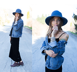 Anna Lengstrand - Gap Denim Jacket, Coal Headware Hat, Second Hand Long Velvet Dress, Billabong Boots, Simply Swedish Bracelets - Sunday ease.