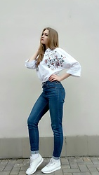 Dasha - Reebok Sneakers, Levi's Jeans, Zara Shirt - Hello, spring! #tryingtobeinstafamous