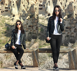 Elzara Muslimova - H&M Pants, Zara Loafers, Mango Bag, Koton Sweatshot, Mango Leather Jacket, Ray Ban Glasses - Cappadocia