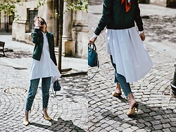Andreea Birsan - Waterfall White Shirt, Pearl Step Hem Mom Jeans, Emerald Leather Jacket, Beige Suede Heeled Mules, Borsa A Mano Saffiano Lux Cobalt Bag - The white shirt you will fall in love with