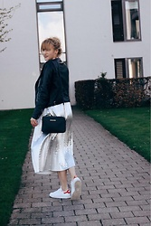 Paulina Piliman - Michael Kors Bag, H&M Long Silver Skirt, Adidas Shoes, Massimo Dutti Leather Jacket - Silver skirt, angel girl