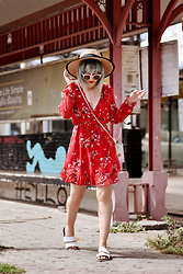 Esra E. - H&M Red Flower Dress - Red dress in Thailand