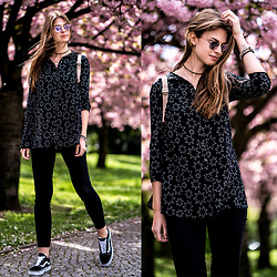 Jacky - Zara Shirt, Ray Ban Sunglasses, Vans Sneakers -  Cherry Blossoms and Star Pattern